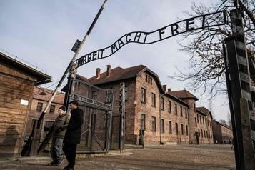 Le site d'Auschwitz rouvre ses portes aux visiteurs)