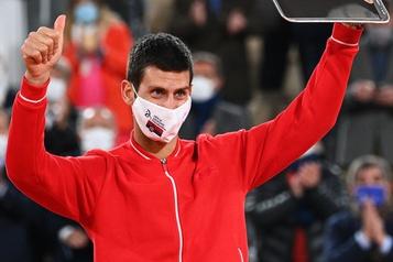 Classement de l'ATP Novak Djokovic accro?t son avance sur Rafael Nadal, les Canadiens bougent peu)