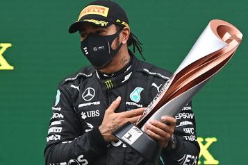 Hamilton égale le record de septchampionnats de Schumacher)
