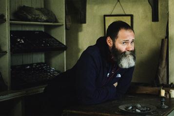 Ammonite Francis Lee: creuser l'histoire )