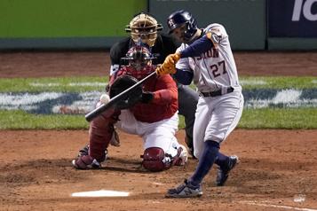 Les Astros créent l'égalité dans la série