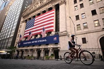 Wall Street finit en forte hausse, espérant de nouvelles mesures de soutien)