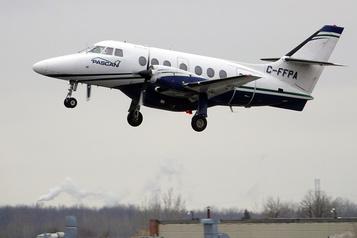 Les transporteurs aériens régionaux rejettent l'achat d'actions par Ottawa)