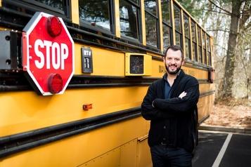 Prudence, l'autobus vous surveille)