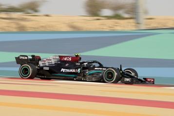 Formule 1 Valtteri Bottas mène la deuxième journée d'essais, Lance Stroll troisième)