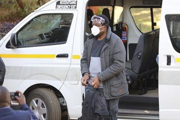 Un journaliste lanceur d'alerte maintenu en détention au Zimbabwe)