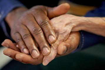 Projet de loi sur l'aide à mourir Ottawa demande une prolongation «préventive» )