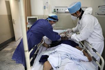 COVID-19: l'Iran annonce 162 morts, record de décès quotidiens)