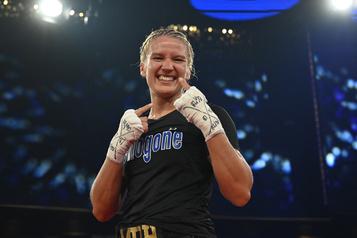 Un an plus tard, Marie-Pier Houle de retour dans le ring)