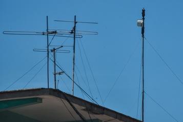 Cuba: SNET, le réseau clandestin qui a longtemps remplacé internet, menacé