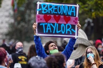 Un seul policier accusé en lien avecla mort de Breonna Taylor)