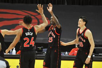 Les Raptors lanceront leur saison le 20octobre)