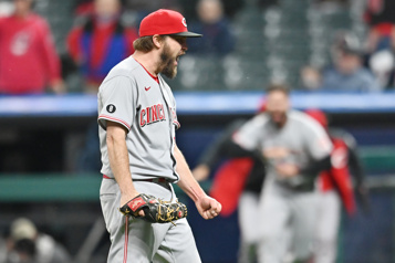 Wade Miley réussit un match sans point ni coup sûr)