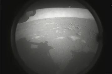 La sonde Perseverance se pose sur Mars)