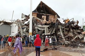 Indonésie Un séisme fait au moins 42morts )