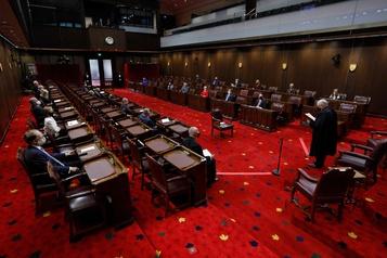 Loi de soutien aux travailleurs Le projet de loi C-4 frappe un premier écueil au Sénat)