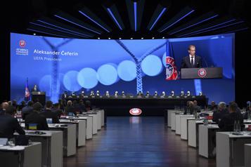 Super Ligue Le président de l'UEFA plaide pour une volte-face)