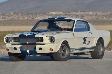 Une Ford Mustang Shelby pilotée par KenMiles bat un record aux enchères)