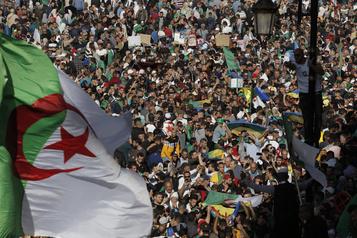 Marée humaine à Alger pour une «nouvelle Révolution»