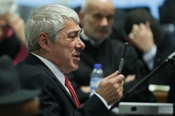 Portugal L'ex-premier ministre Socrates envoyé en procès pour blanchiment de capitaux)