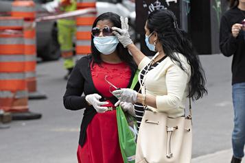 Sondage: les Québécois en confiance malgré la pandémie qui s'étire)