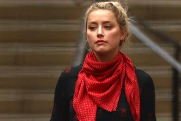 Amber Heard accusée d'avoir volé l'histoire de son ex-assistante)
