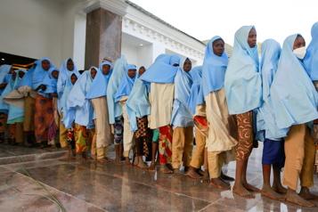 Des centaines d'écolières sont libérées au Nigéria)