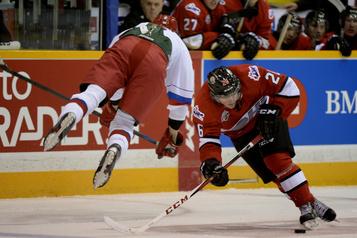 Les mises en échec seront interdites dans l'OHL cette saison)