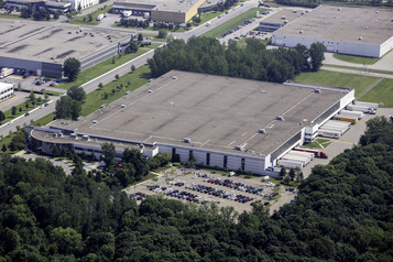 L'Oréal agrandit son entrepôt de Saint-Laurent)