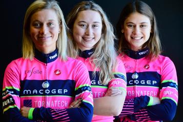 Trois sœurs unies parle vélo