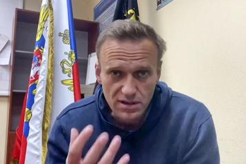 De sa cellule, l'opposant russe Navalny dit aller «bien»)