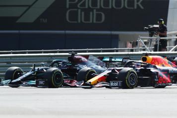 GP de Grande-Bretagne Hamilton n'a «rien fait de mal» envers Verstappen, maintient Mercedes)