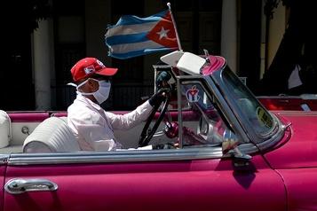 Les touristes se hâtent de quitter Cuba)