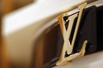 La mode revient avec un défilé Louis Vuitton à Shanghai)