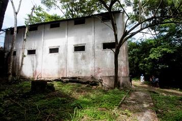 Une île-prison transformée en paradis touristique au Costa Rica)