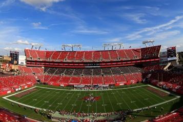 La NFL invite 7500travailleurs de la santé au SuperBowl)