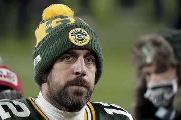 L'avenir d'Aaron Rodgers avec les Packers est incertain)