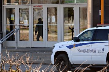 Une femme blessée par balle à Québec )