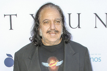 Ron Jeremy accusé de viols et agressions sexuelles)