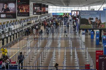 Le Chili rouvre ses frontières aériennes)
