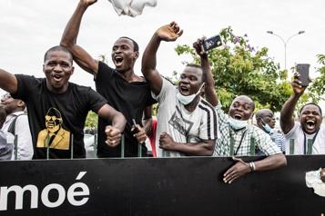 Retour en Côte d'Ivoire L'ex-président Laurent Gbagbo fêté par les siens et «heureux»)