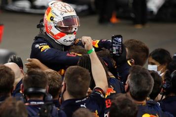 GrandPrix d'Abou Dabi Verstappen s'impose pour conclure, Hamilton courageux troisième)