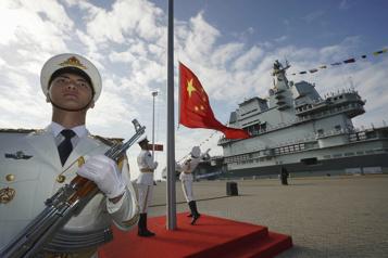 Les forces navales dans le Pacifique augmentent face à la Chine)