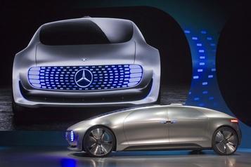 Voiture autonome: Mercedes-Benz et BMW suspendent leur coopération )