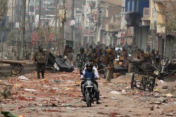 Violences en Inde: le premier ministre lance un appel au calme