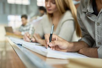 Pénurie d'enseignants: raccourcirla formation est-il labonne solution? )