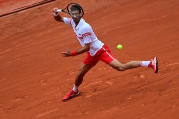 Roland-Garros Novak Djokovic bousculé, Rafael Nadal intraitable)