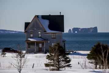 Crise du logement en Gaspésie «On veut des lumières dans lesmaisons l'hiver» )