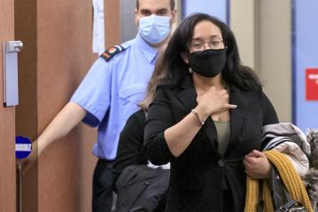 Accusée d'avoir tué son conjoint violent  «Il m'a défoncé le visage» )