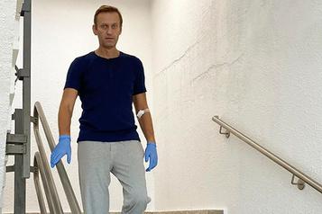 Alexeï Navalny raconte son difficile retour à la vie)